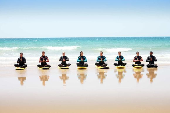 Surf Yoga in Spanien